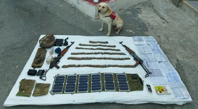 Hakkaride PKKya ait silah ve mühimmat ele geçirildi