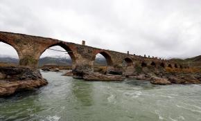 Ermenistan işgali nedeniyle 1000 yıllık köprü yok olma tehlikesiyle karşı karşıya