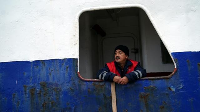 Gemide tek başına