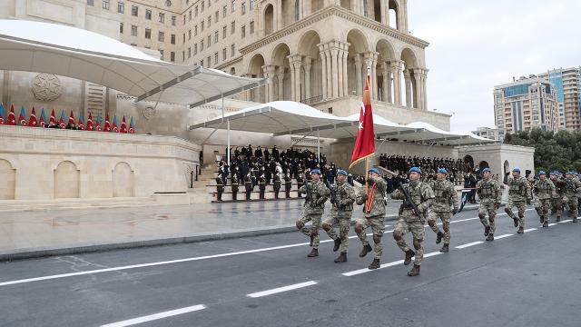 Mehter Marşı eşliğinde zafer yürüyüşü