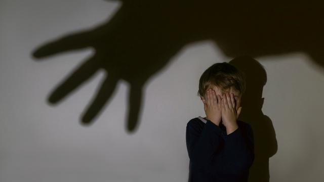 Fransa: Rahiplerin cinsel istismar vakalarını yargıya bildirmesi gerekiyor