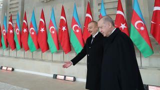 """""""Türkiye ile birliğimizi dünyaya gösteriyoruz"""""""