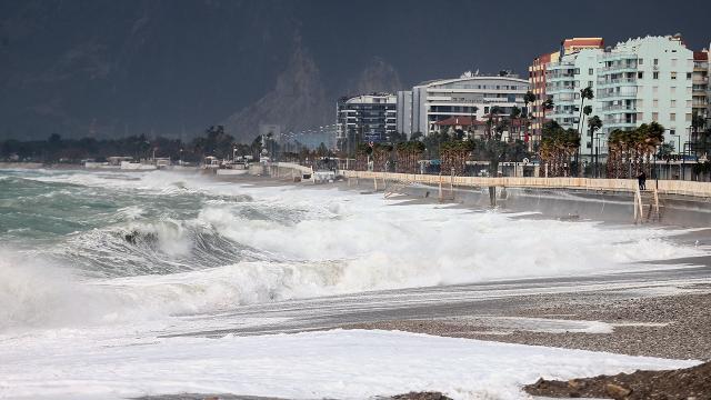 Akdenizde kuvvetli fırtına bekleniyor