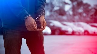 Adana'da uyuşturucu operasyonlarında yakalanan 17 şüpheli tutuklandı