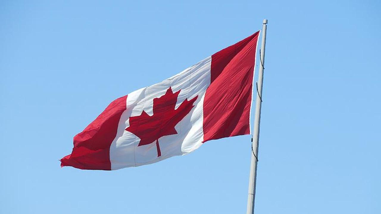 Kanada'da başörtülü kardeşlere ırkçı saldırı