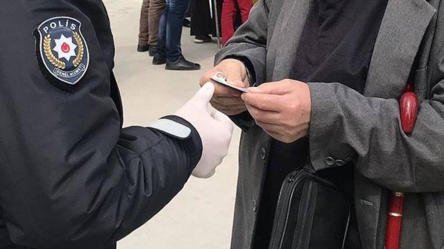Bingölde sokağa çıkma kısıtlamasını ve maske kuralını ihlal eden kişiye para cezası