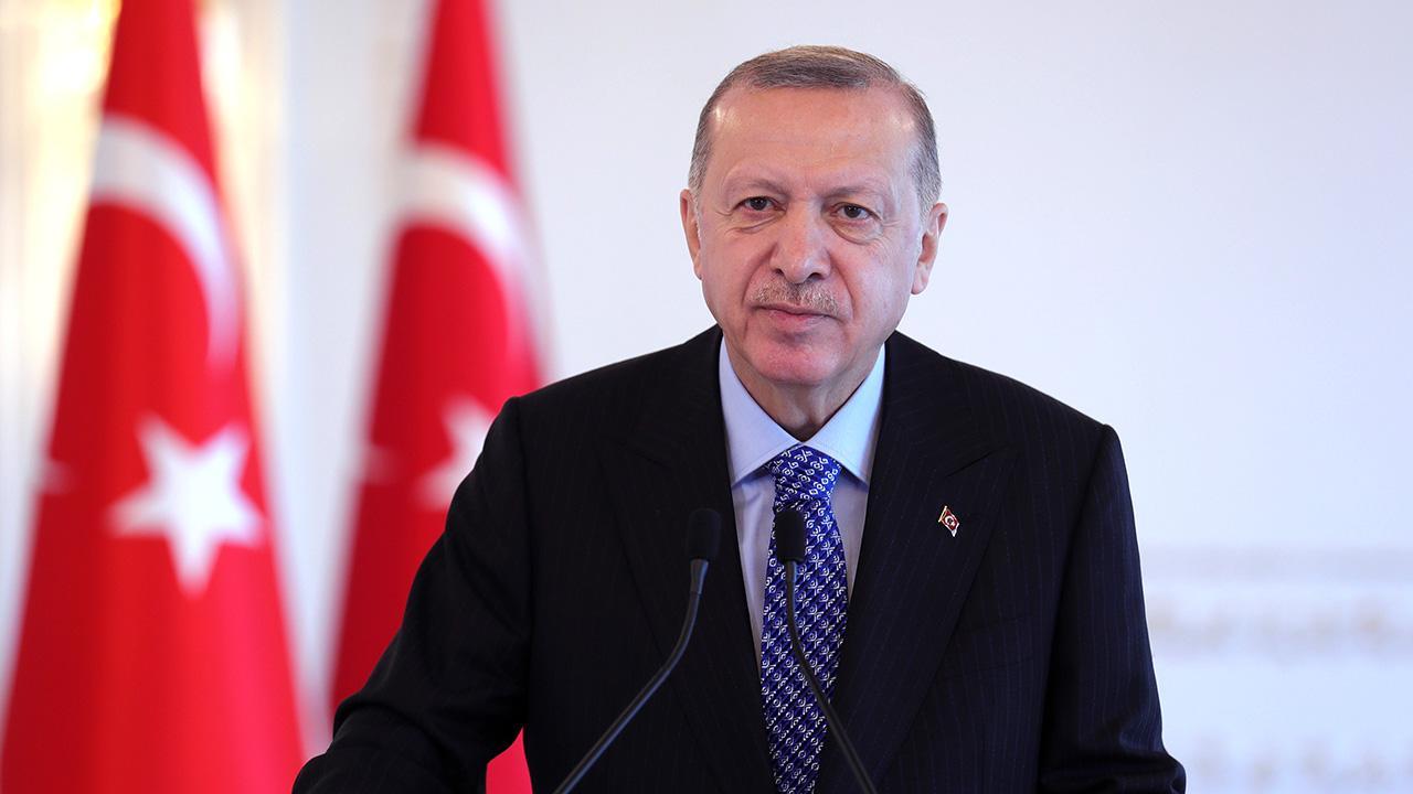 Cumhurbaşkanı Erdoğan'dan Erzurum ve Hatay mesajı