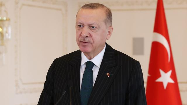 Cumhurbaşkanı Erdoğan, İslam aleminin Berat Kandilini tebrik etti