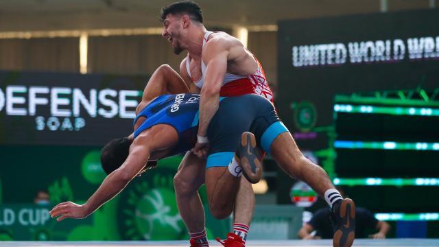 Milli güreşçi Cengiz Arslan bronz madalya kazandı