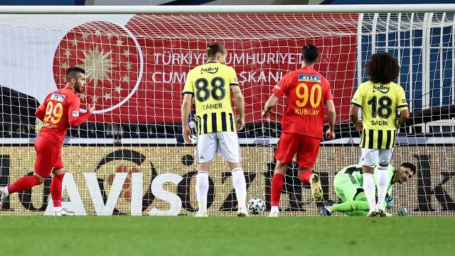 Fenerbahçeden evinde son 30 sezonun en kötü performansı