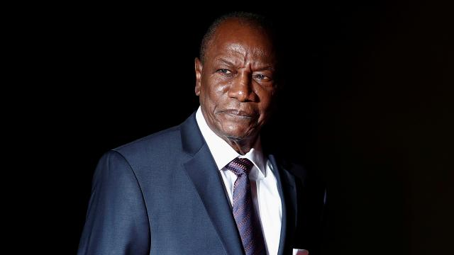 Gine Cumhurbaşkanı Conde görevine başladı