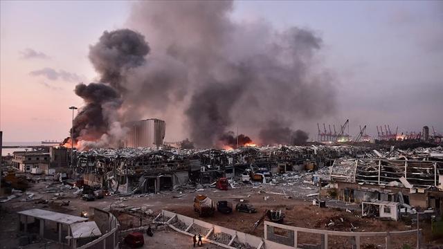 Beyrut Limanındaki patlamaya ilişkin soruşturma ülkede tartışmalara neden oldu