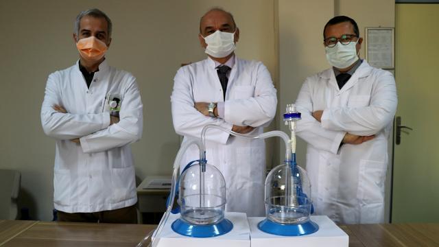 İzmirde doktorlar, COVID-19 bulaş riskini azaltan sistem geliştirdi