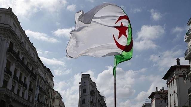 Cezayir Cumhurbaşkanı Danışmanı: Fransız sömürgeciliğini suç saymak için kanuna gerek yok