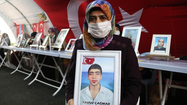 Diyarbakır annesi: O hainlere zalimlere güvenmeyin