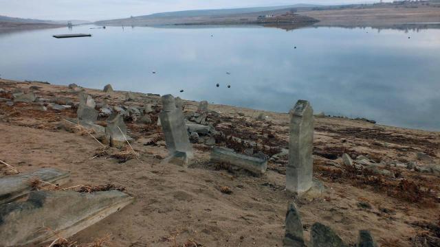 Yozgatta baraj suyu çekilince eski yerleşim yeri göründü