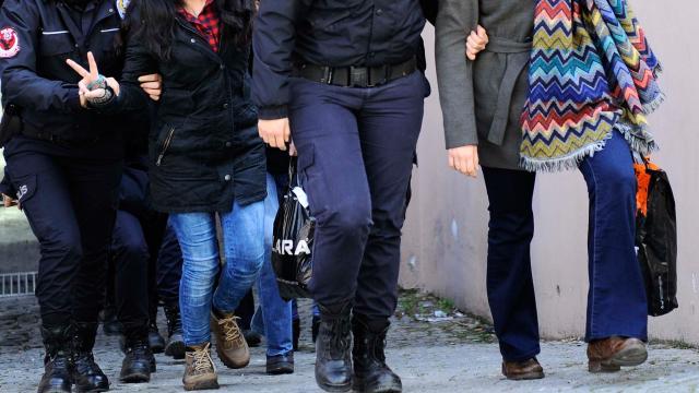 FETÖnün sınav evlerinde kalan 21 kişi hakkında gözaltı kararı