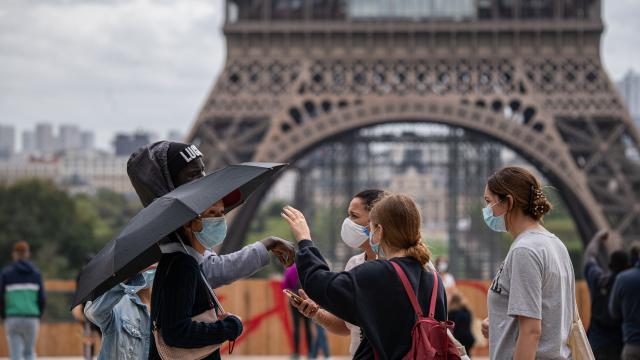 Fransada bir günde 15 bin 944 yeni vaka