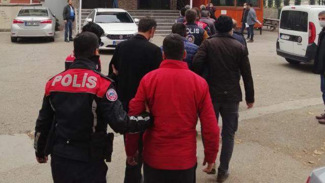 Mersinde terör örgütü PKK/KCKya yönelik operasyonda yakalanan 14 şüpheliden 7si tutuklandı