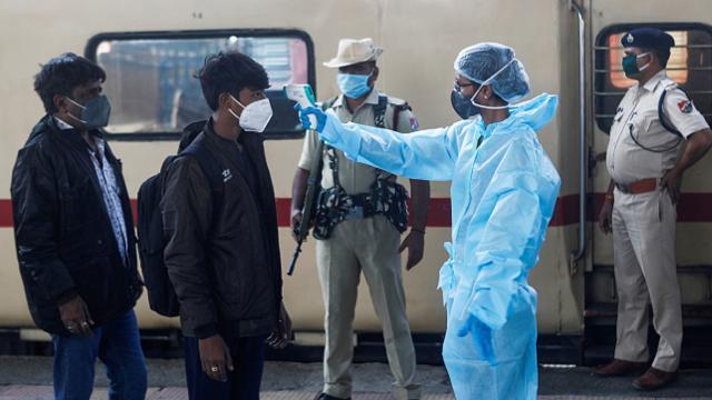 Hindistanda günlük vaka sayısı 22 bini geçti