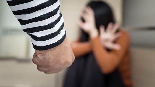 Kadınlara karşı aile içi şiddet 5 kat arttı - Son Dakika Haberleri