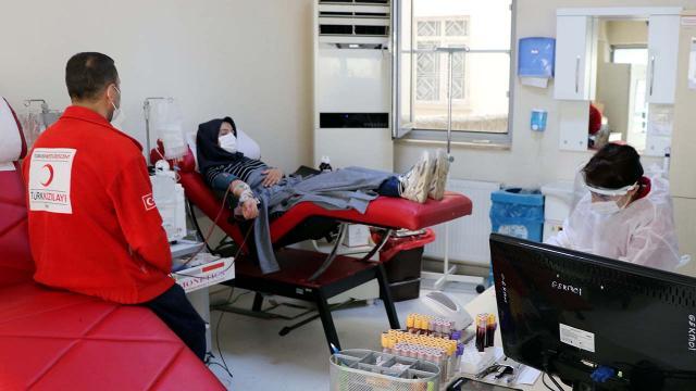 Kısıtlamanın olduğu hafta sonu 10 bin 899 ünite kan bağışlandı