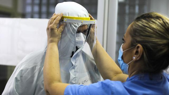 Sağlık çalışanlarının yüzde 14ü koronavirüse yakalandı