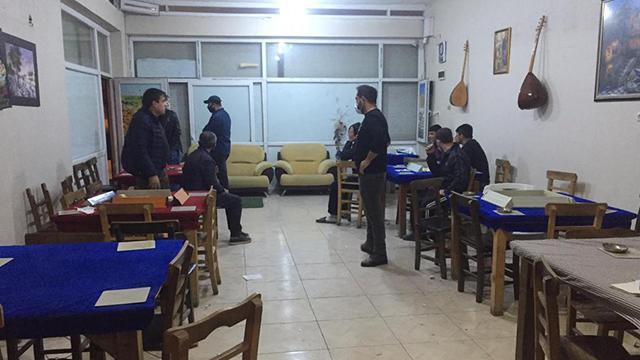 Şanlıurfada iş yerinde kumar oynayan 20 kişiye 68 bin lira ceza