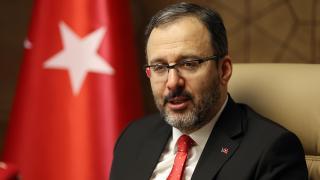 Bakan Kasapoğlu'ndan Vedat Albayrak'a tebrik