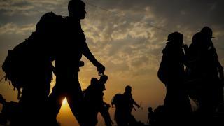 ABD'ye gitmek isteyen 9 bin göçmen sınırların açılması için bekliyor