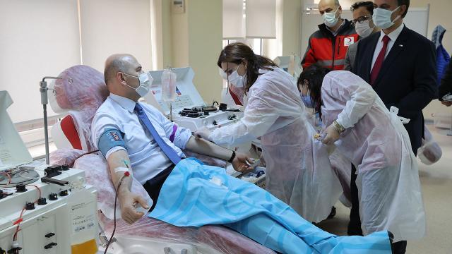 İçişleri Bakanı Soylu immün plazma bağışı yaptı