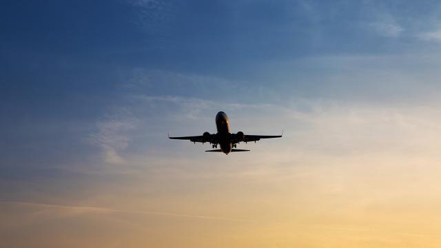 Lübnanda sivil eğitim uçağı düştü: 3 ölü