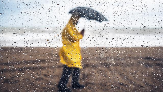 """Meteoroloji uzmanlarından """"yağmur bombası"""" tartışması"""
