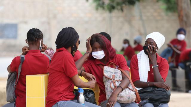 Afrikada koronavirüsten ölenlerin sayısı 101 bini geçti