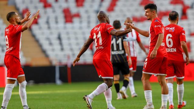 Antalyaspor tek golle son 16da