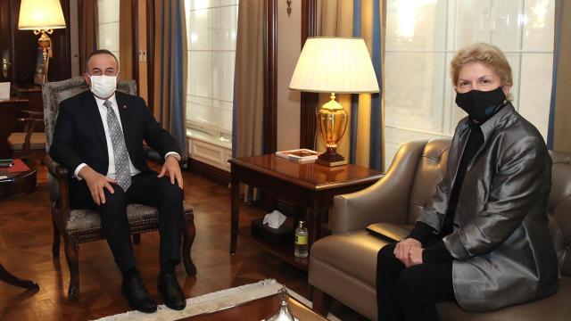 Bakan Çavuşoğlu, BM Kıbrıs Özel Danışmanı ile bir araya geldi