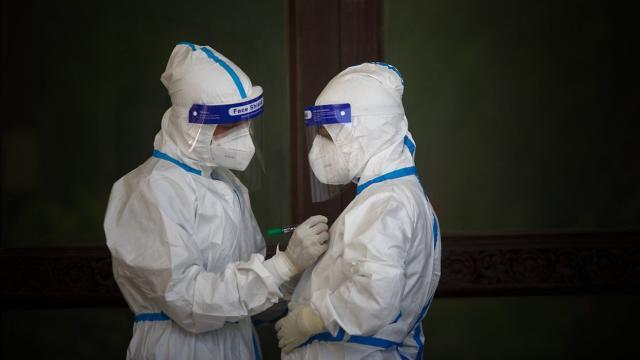 Dünyanın koronavirüs mücadelesi sürüyor