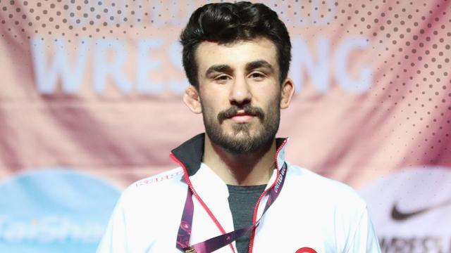 Milli güreşçi Erhan Yaylacı bronz madalya kazandı