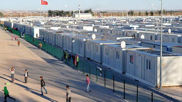 ABnin Türkiyedeki sığınmacılar için ödemesi öngörülen 780 milyon euro sözleşmeye bağlandı