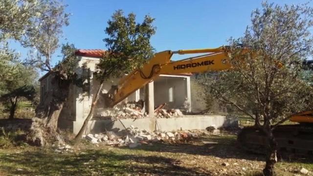 Muğlada kaçak yapıların yıkımına başlandı