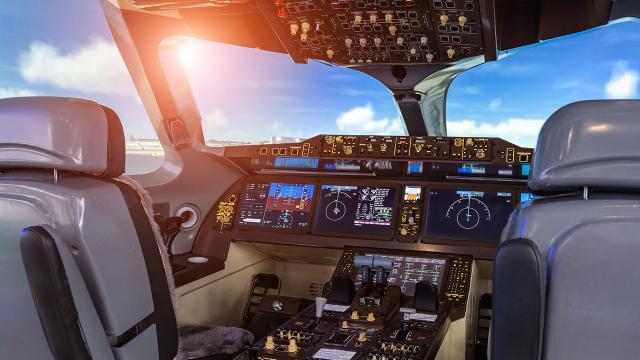 Yapay zeka askeri keşif uçağında yardımcı pilotluk yaptı
