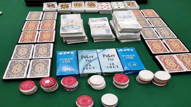 Kulübede kumar oynayan 16 kişiye 50 bin 400 lira ceza