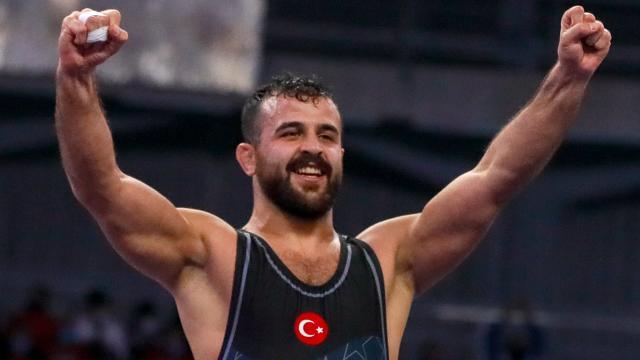 Milli güreşçi Nuri Kotanoğlu finale çıktı