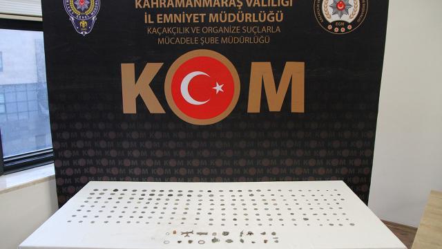 Tarihi eser kaçakçısına suçüstü: 224 ürün ele geçirildi