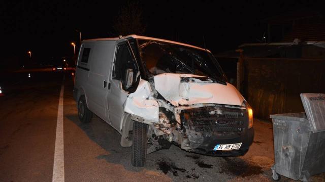 Para nakil aracı kamyonete çarptı: 1 ölü, 5 yaralı