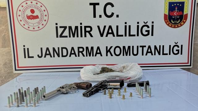 İzmir ve Muğlada zehir tacirlerine operasyon