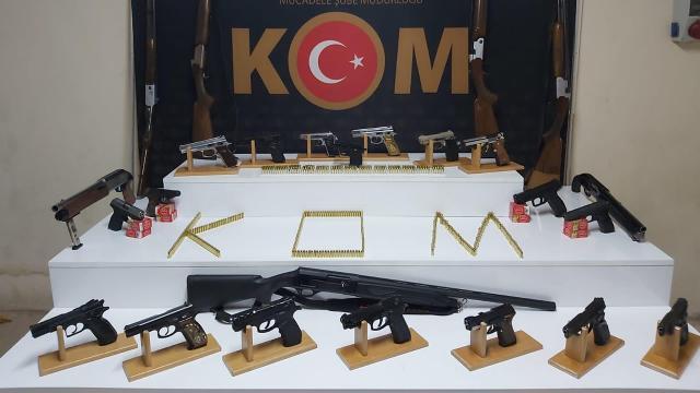 Yasa dışı silah ticaretine operasyon: 53 gözaltı