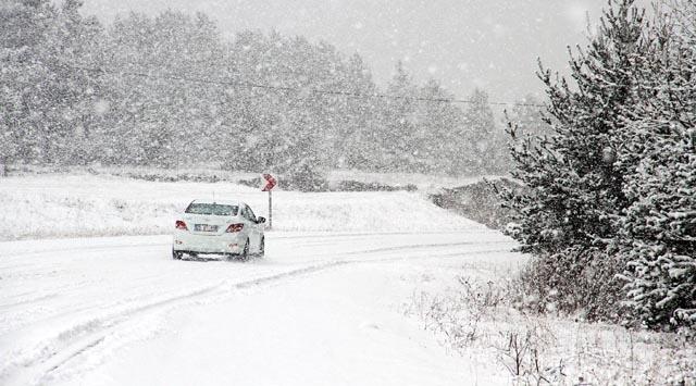 Kar yağınca ulaşım aksamaya başladı