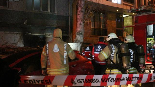 Bayrampaşada yangın: 1 kişi hayatını kaybetti