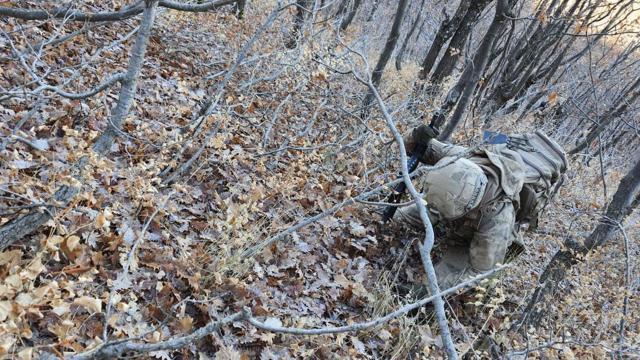 Bitlis kırsalında terör örgütüne ait 1 ton amonyum nitrat ele geçirildi